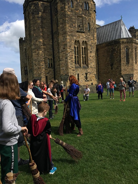 broomstick-training-alnwick-castle
